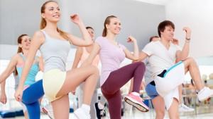 aerobic-ist-ein-ideales-training-um-kalorien-und-fett-zu-verbrennen-