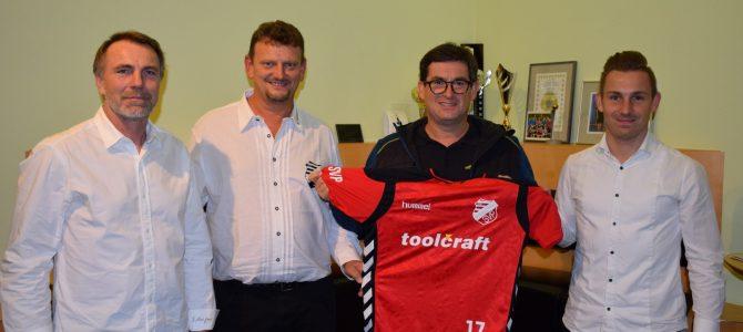 Toolcraft sponsert Trikotsatz für Fußballer